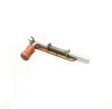 Засов № 4 узкий дерев. ручка 150 мм. (анодир)