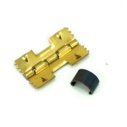 Петля для шкатулки врезная с пружиной 18х20 мм.